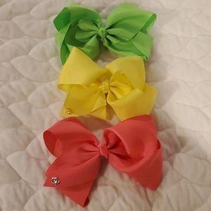 3 jojo bows